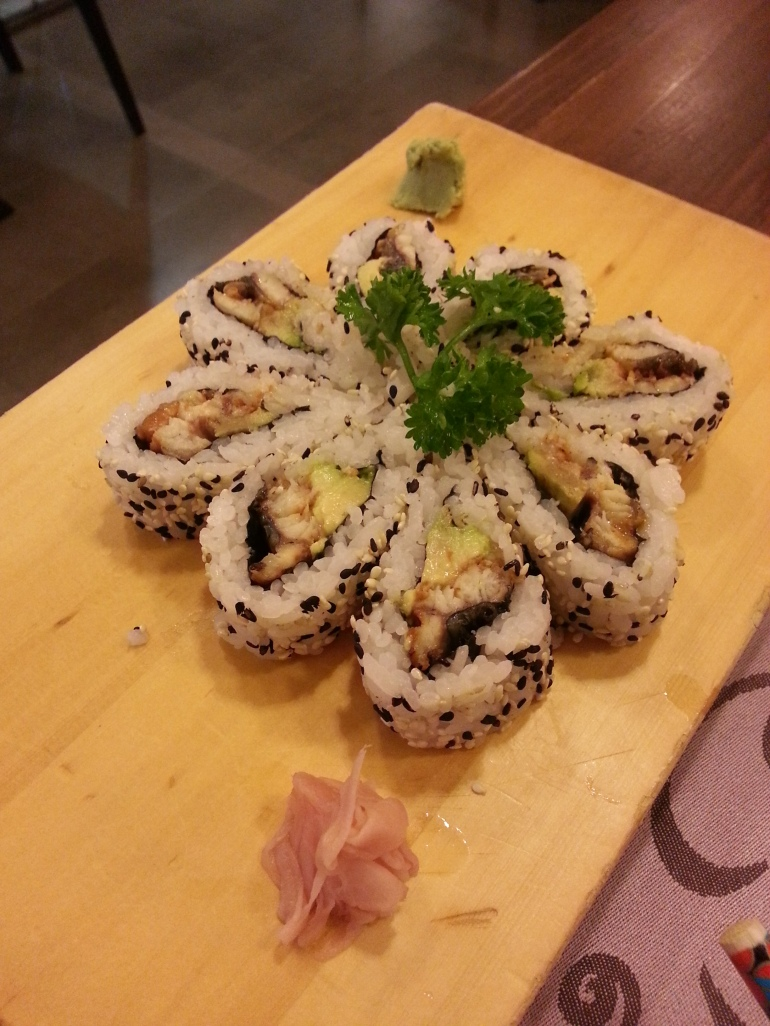 Maki-roll en forma de flor