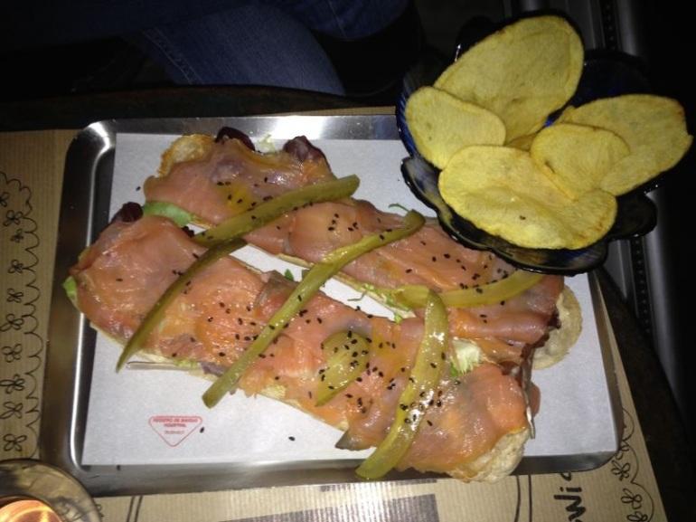 Súper bocadillo de salmón ahumado