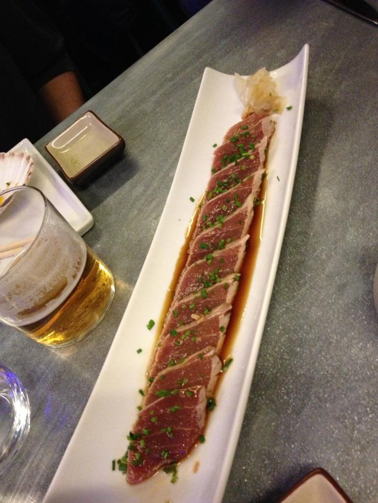 Sashimi de atún macerado