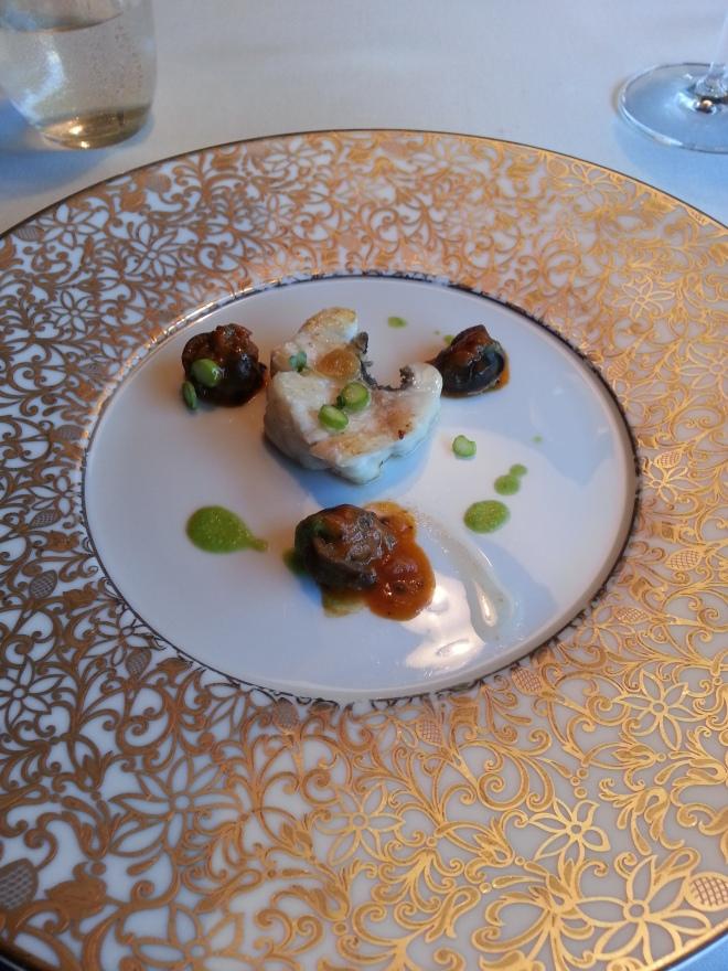 Lubina del Mar Menor con caracoles