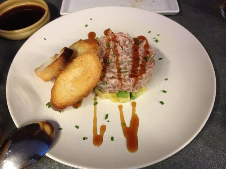Tartar de atún y aguacate