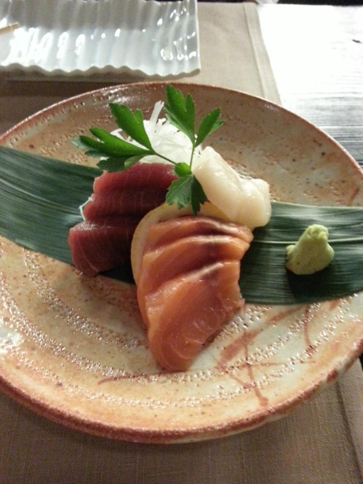 Tres cortes de sashimi