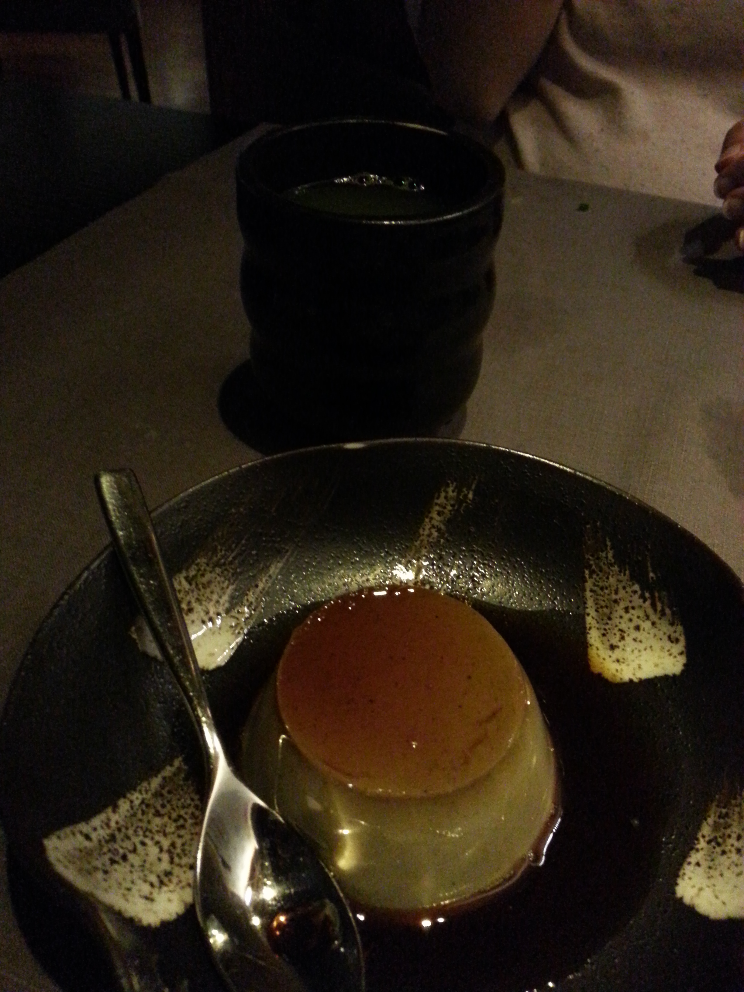 Flan de sésamo y té verde
