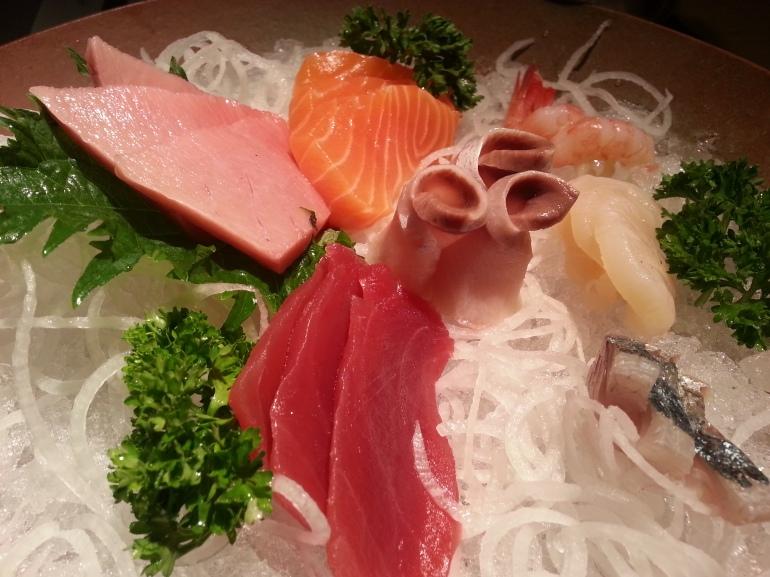 Media ración de sashimi variado