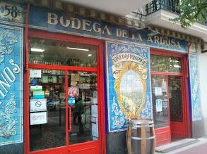 Fachada de Bodegas La Ardosa (foto de Paty Criter)