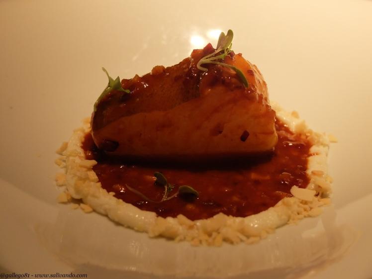Taco de bacalao en salsa tradicional de sus callos