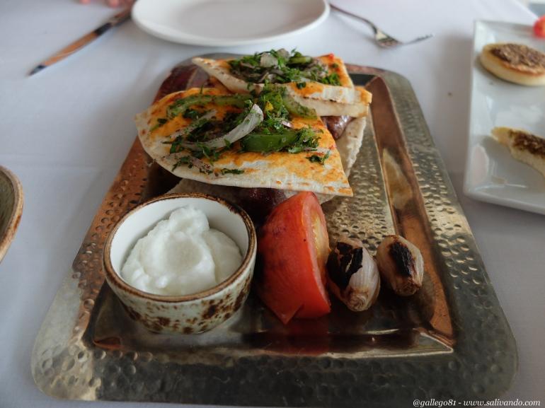 Restaurante Du Liba - Plato de brochetas