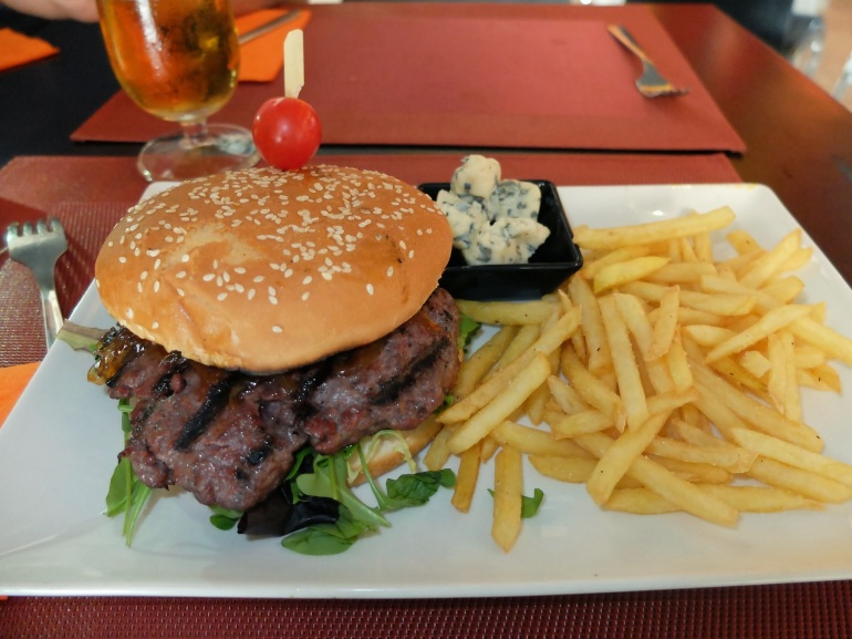 Restaurante Rick's - Hamburguesa París