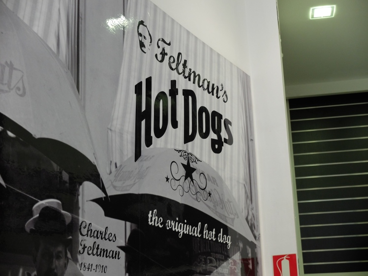 Feltman's hot dog - Local