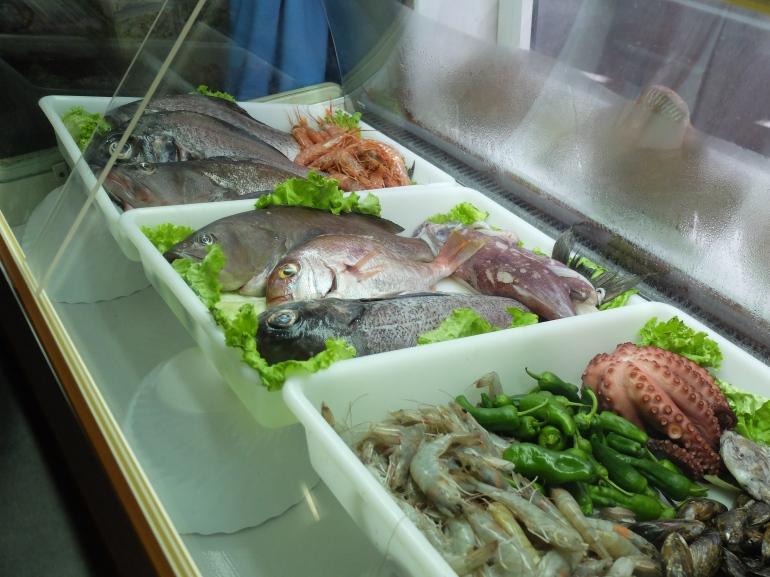 Restaurante Casa Mon - Bandeja de pescados frescos