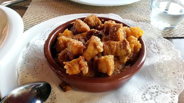 Restaurante La Cabaña de Soto - Patatas revolconas con torreznos