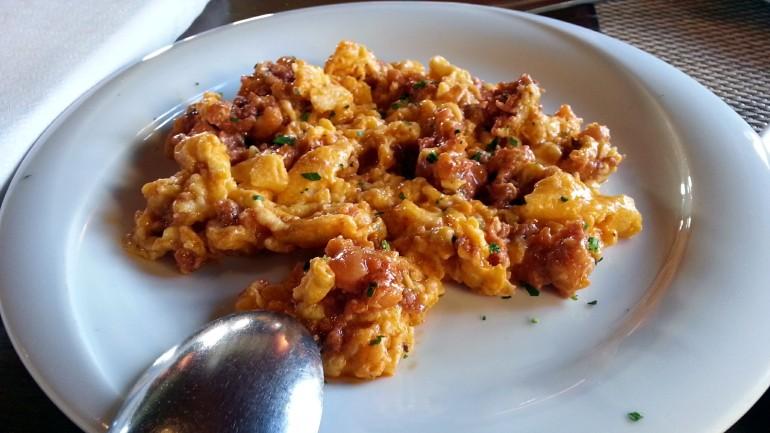Restaurante La Cabaña de Soto - Huevos revueltos con picadillo de matanza