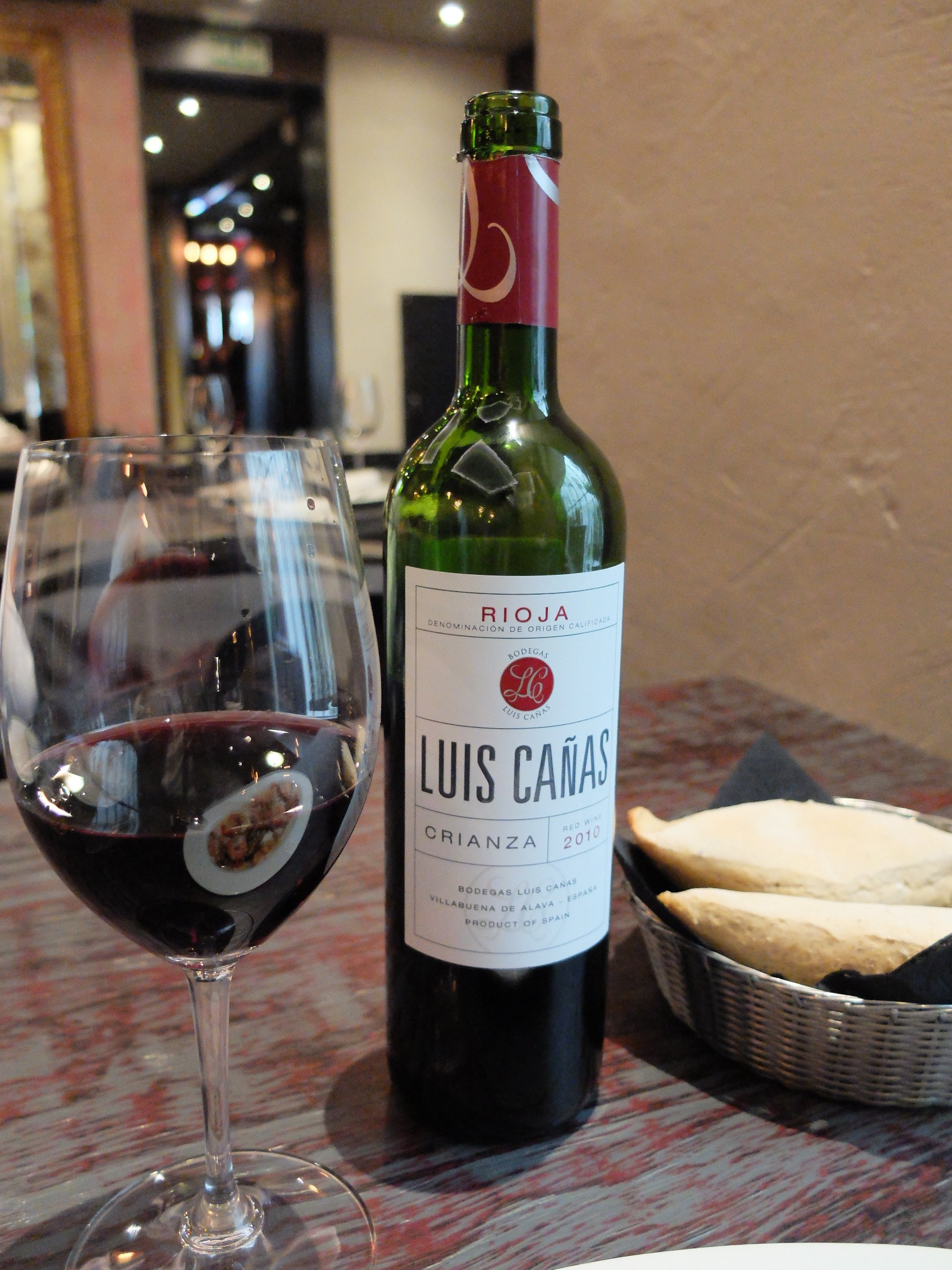 La Charca Taberna  - Vino Luis Cañas Crianza 2010
