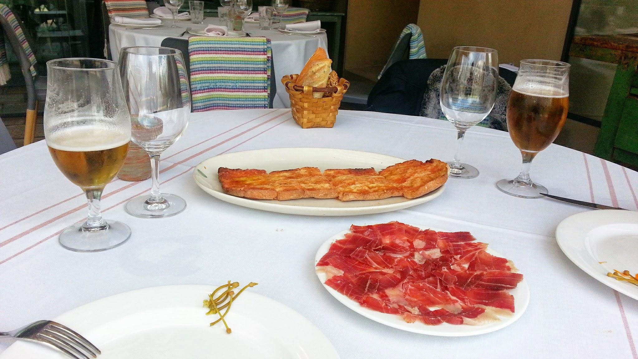 Restaurante Filandón - Media ración de jamón ibérico con pan de cristal