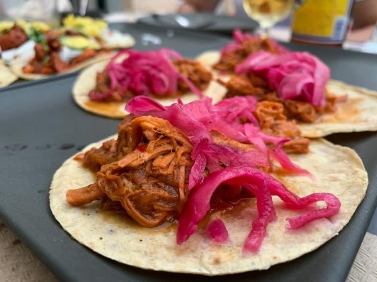 Los Guacamoles Montecarmelo - Tacos Cochinita Pibil